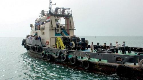 """صحيفة دولية تكشف كواليس """" اجتماع السفينة """" قبالة الحديدة"""