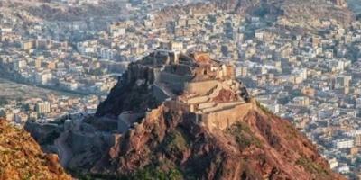 عاجل.. مقتل مدير شؤون الموظفين بمصلحة الجوازات في تعز