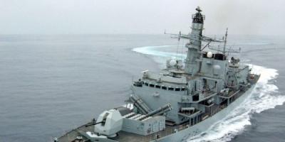 بريطانيا تكشف سر إرسال سفينة حربية بالخليج العربي
