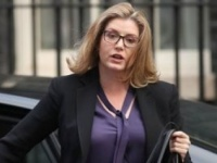 الدفاع البريطانية: محقون في قلقنا على حماية تجارتنا بمضيق هرمز
