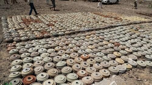 إتلاف كميات كبيرة من الألغام الحوثية بمأرب