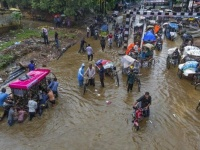 فيضانات بالهند تودي بحياة 136 شخصًا