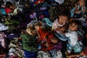 سوء التغذية والأمراض يقتلان المئآت من النازحين في إندونيسيا