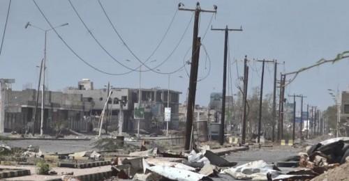 قصف عنيف من مليشيا الحوثي على مواقع القوات المشتركة بالصالح