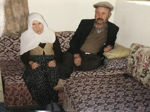 زوجان تركيان عاشا مع بعضهما 70 عام وفرقهما الموت بفارق 26 دقيقة