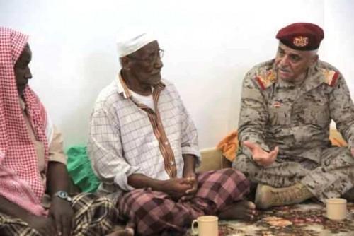 طميس.. عسكري يتواطئ مع الحوثي ويتفرغ لاستفزاز أهالي حضرموت