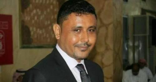 اليافعي يفضح فساد عبدالله العليمي