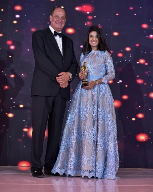 أول تعليق لـ ياسمين على بعد حصولها على جائزة أفضل مطربة صاعدة