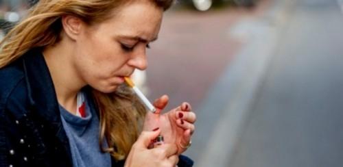 بريطانيا تتعهد بوضع حد للتدخين بحلول 2030