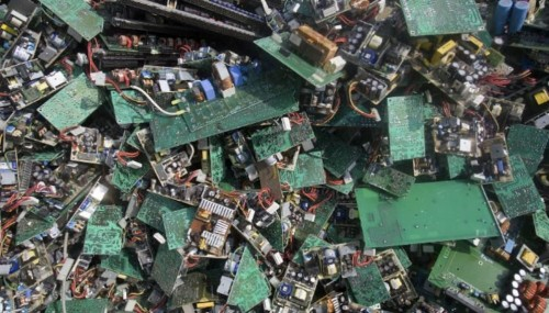 النفايات الإلكترونية خطر كارثي يهدد البيئة والإنسان