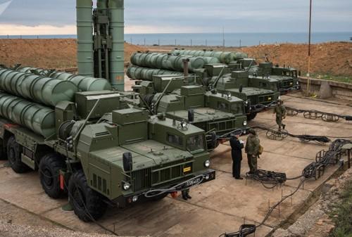 """قبل موعدها المحدد.. روسيا تسلم للصين نظام الدفاع الصاروخي """"إس 400"""""""