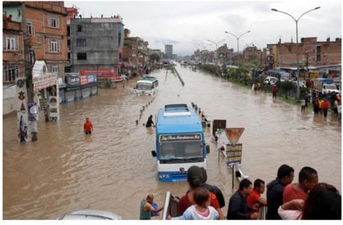 الإمارات تحذر رعاياها في نيبال من الأمطار الموسمية الغزيرة