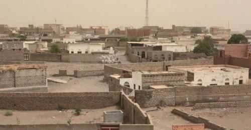 مواقع القوات المشتركة بالتحيتا تتعرض لقصف حوثي عنيف