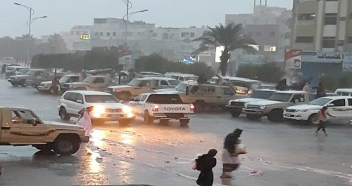 تمدد السحب الرعدية إلى عدن وتوقعات بهطول أمطار