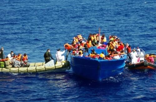إنقاذ 242 مهاجرًا من الغرق بين المغرب وإسبانيا