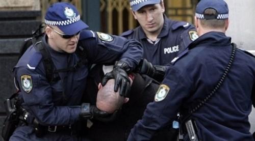 بالخطأ.. سائق يقود الشرطة إلى مخدرات بـ200 مليون استرليني