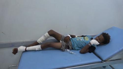 إصابة 4 أطفال وامرأة في قصف حوثي على الأحياء السكنية في الدريهمي (فيديو)