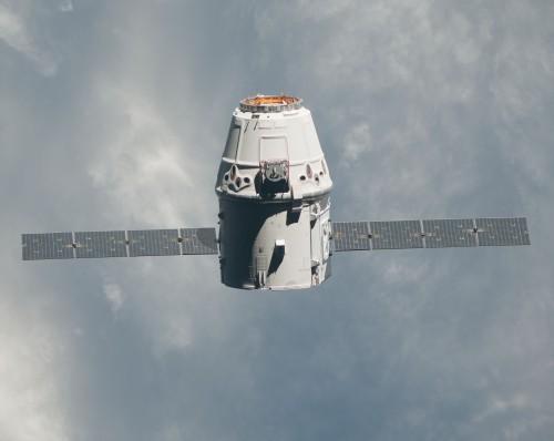 """وصول كبسولة الشحنات """"دراجون"""" إلى محطة الفضاء الدولية"""