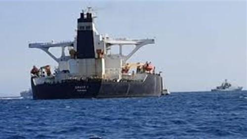 بعد تزويدهما بالوقود.. إبحار سفينتين إيرانيتين في سواحل البرازيل