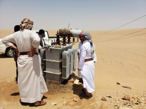 بسبب العاصفة الرملية.. 55عموداً كهربائياً يتعرض للدمار في مأرب (صور)