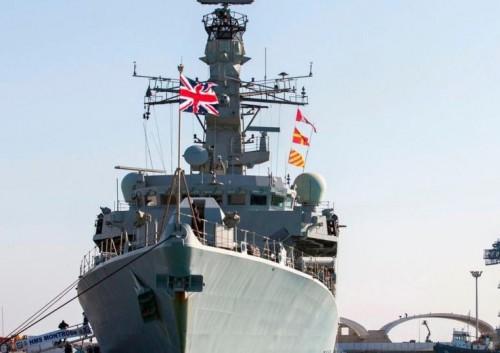 بريطانيا تعتزم إرسال تعزيزات عسكرية أخرى إلى الخليج