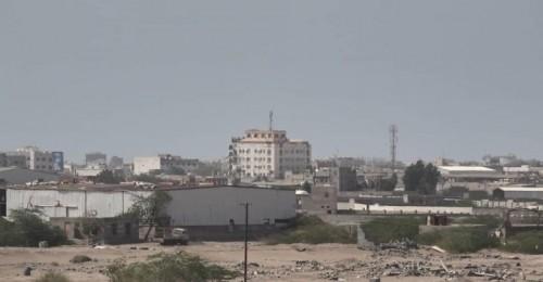 بالقذائف المدفعية..المليشيات الحوثية تقصف مواقع القوات المشتركة في الحديدة