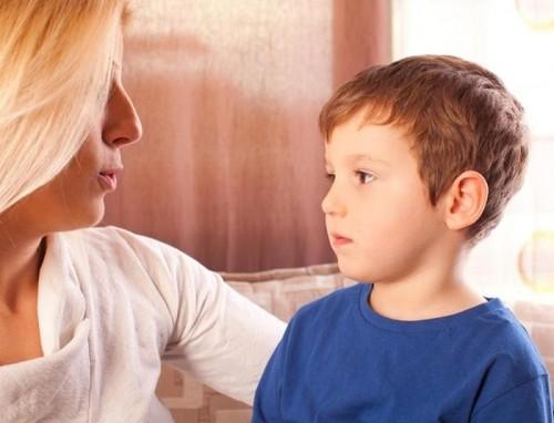 تلعثم الأطفال يؤرق الآباء والأمهات.. هذه أسبابه
