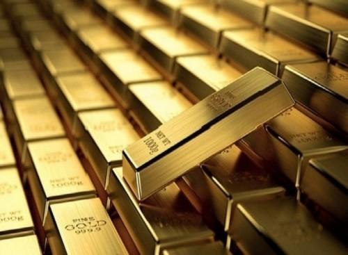 الذهب يتراجع عالمياً بفعل توقعات خفض الفائدة