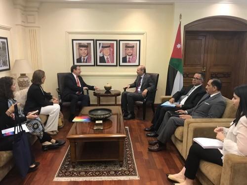 الأردن يناقش سبل الشراكة مع مدير برنامج الأمم المتحدة الإنمائي