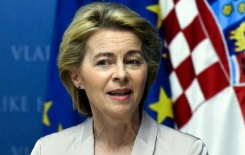 رئيسة المفوضية الأوروبية تؤكد ضرورة إعادة التوازن إلى الاتحاد