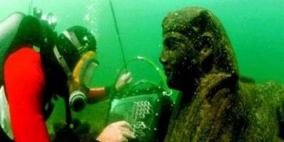 مصر تعلن اكتشاف معبد عمره أكثر من 1000 عام تحت الماء