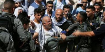 اعتقال ١٠٠ فلسطيني بأوامر من سلطات الإحتلال الإسرائيلي