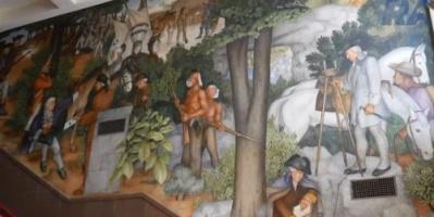 شاهد.. لوحات جدارية تثير جدلاً بأمريكا.. ومطالبات بإتلافها