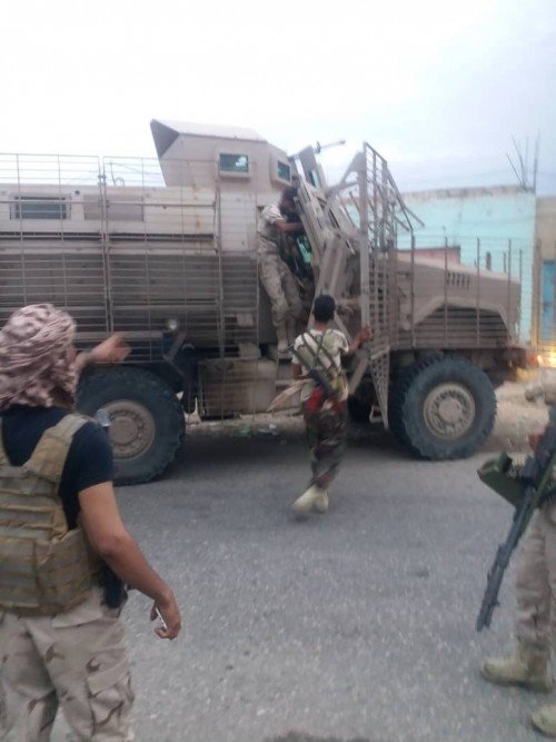 بالصور اشتباكات بين قوات الحزام الأمني بالمحفد و تنظيم القاعدة الإرهابي..تفاصيل
