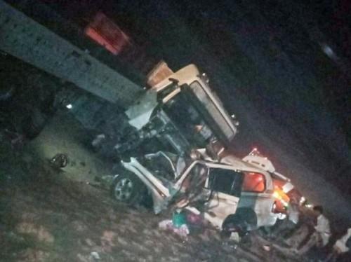 وفاة 4 مسافرين في حادث مروري مروع على خط العبر مأرب