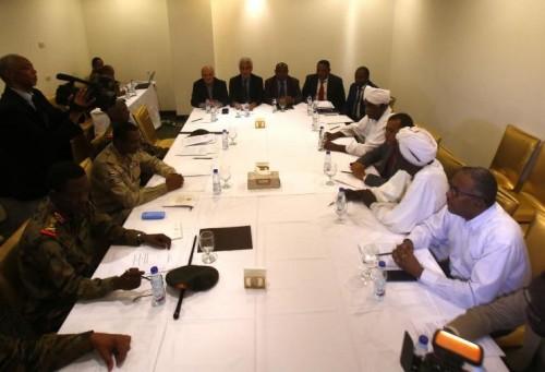 العسكري السوداني وقوى الحرية والتغيير يتوصلان لاتفاق كامل بشأن الوثيقة الدستورية