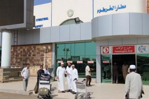 إحباط محاولة تهريب عملات أجنبية من مطار الخرطوم