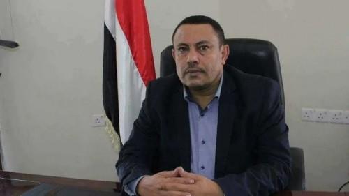 """وزير حوثي منشق يهدد المليشيات بنشر """"آلاف الوثائق"""""""
