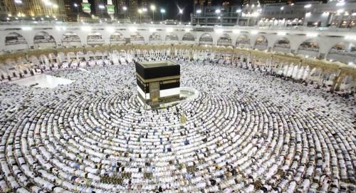 """""""السعودية"""" تنظم رحلات حج للمتعافين من الإدمان"""