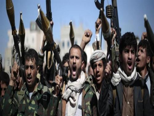 """ميليشيات الحوثي تصادر أجهزة وأقراص تخزين تابعة لـ""""الصحة العالمية"""" مدون عليها جرائم سرقتهم لمواد الإغاثة"""