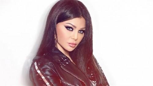 بالفيديو.. هيفاء وهبي تتعلم رقص المهرجانات في كواليس حفلها بالساحل
