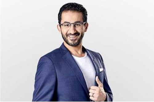 """أحمد حلمي ينشر بوسترات فيلم """" خيال مآته """""""
