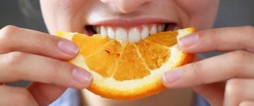 البرتقال يحميك من العمى مع التقدم بالعمر