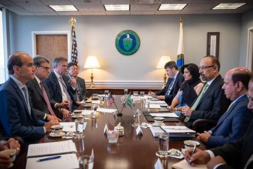 """ننشر تفاصيل لقاء وزير الطاقة السعودي ونظيره الأمريكي.. """"صور"""""""
