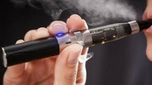 السجائر الإلكترونية تسبب مرض غامض في أمريكا