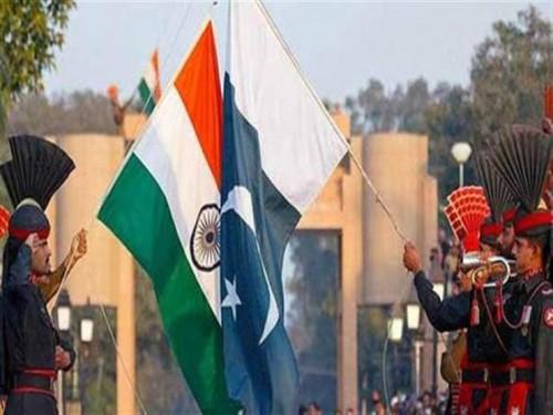 باكستان تطرد السفير الهندي وتقرر تعليق التجارة المشتركة