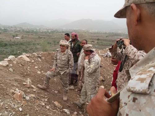 رئيس انتقالي الضالع يزور الخطوط الأمامية لجبهات القتال بجبهة حجر