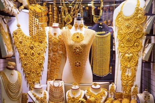 خبراء يُجيبون.. لماذا تشهد مصر ارتفاعًا جنونيًا بسوق الذهب؟