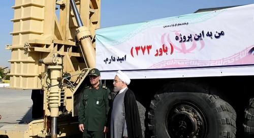 للمرة الثالثة في أقل من شهر.. إيران تُدشن منظومة صواريخ جديدة (صور)