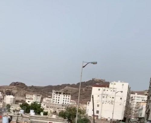 عاجل..مليشيات الإخوان تقصف منطقة المعلا بالأسلحة الثقيلة
